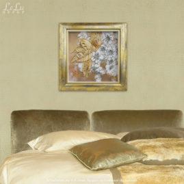 Объемная декоративная картина с цветами вишни в интерьере спальни