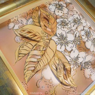 декоративная объемная картина с цветами вишни оформленная в широкую раму