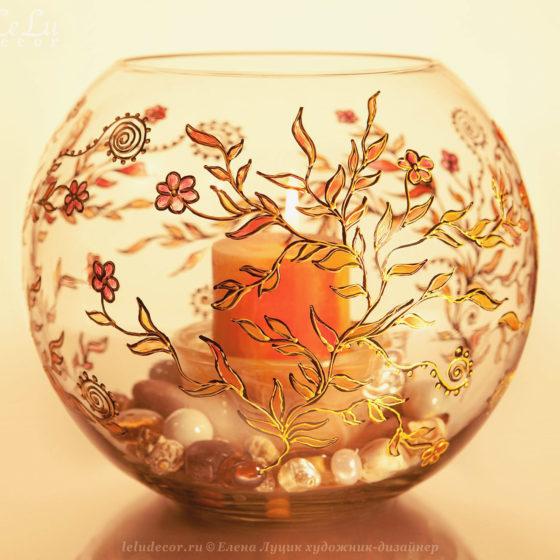 круглая ваза со свечой