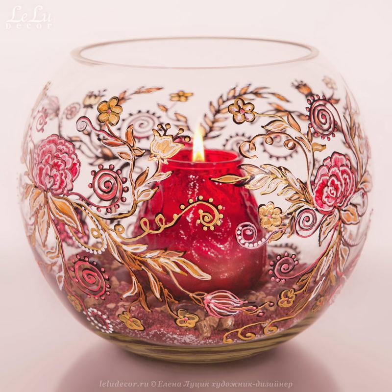 ваза из стекла и подсвечник
