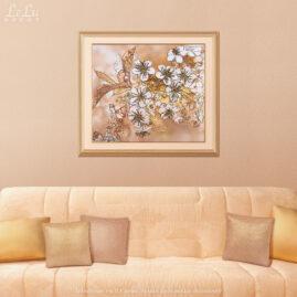 Декоративная картина «Цветущая вишня в солнечном свете» в интерьере гостиной.