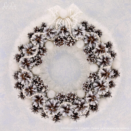 новогодний белоснежный венок «Зимний лес»