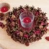 подсвечник из сосновых шишек «Лесная полянка» и три свечи для стакана «Лесные ягоды»